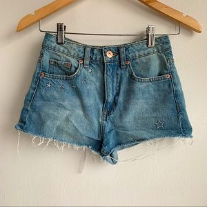 H&M Coachella frayed jean shorts NWOT size 2